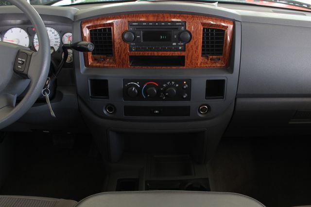 2006 Dodge Ram 2500 SLT MEGA Cab RWD - 5.9L CUMMINS DIESEL! Mooresville , NC 8