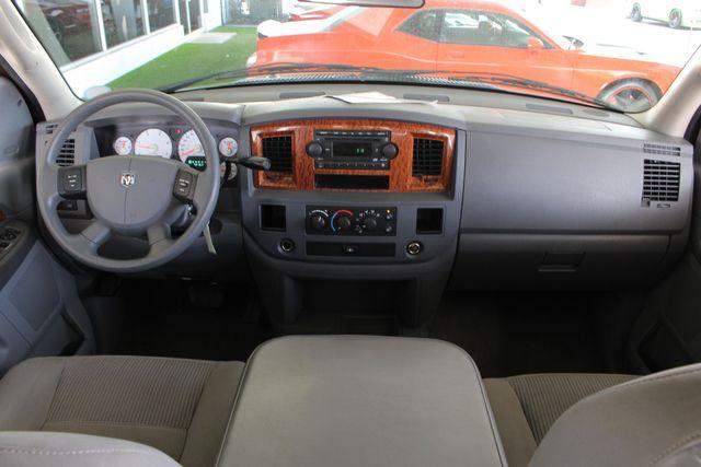 2006 Dodge Ram 2500 SLT MEGA Cab RWD - 5.9L CUMMINS DIESEL! Mooresville , NC 28