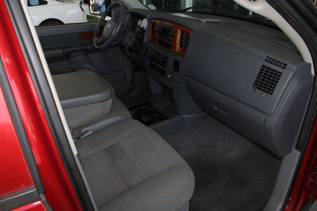 2006 Dodge Ram 2500 SLT MEGA Cab RWD - 5.9L CUMMINS DIESEL! Mooresville , NC 30
