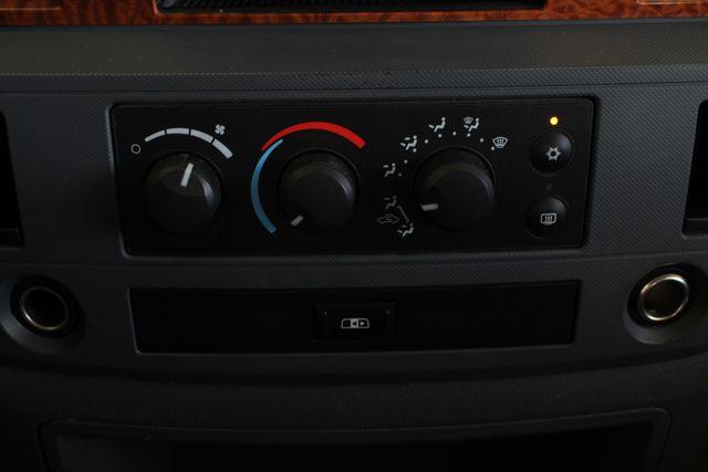 2006 Dodge Ram 2500 SLT MEGA Cab RWD - 5.9L CUMMINS DIESEL! Mooresville , NC 34