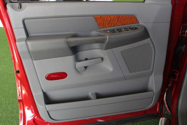 2006 Dodge Ram 2500 SLT MEGA Cab RWD - 5.9L CUMMINS DIESEL! Mooresville , NC 37