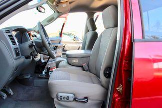 2006 Dodge Ram 3500 SRW SLT Quad Cab 4X4 5.9L Cummins Diesel 6 Speed Manual Sealy, Texas 29