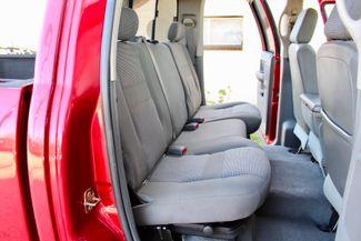 2006 Dodge Ram 3500 SRW SLT Quad Cab 4X4 5.9L Cummins Diesel 6 Speed Manual Sealy, Texas 38