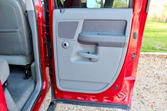2006 Dodge Ram 3500 SRW SLT Quad Cab 4X4 5.9L Cummins Diesel 6 Speed Manual Sealy, Texas 40
