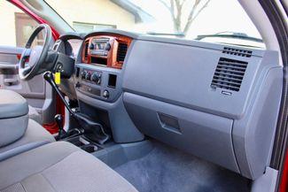 2006 Dodge Ram 3500 SRW SLT Quad Cab 4X4 5.9L Cummins Diesel 6 Speed Manual Sealy, Texas 41