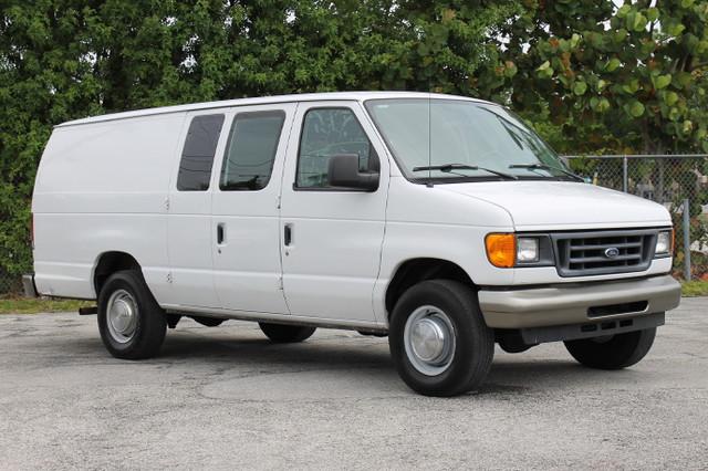 2006 Ford Econoline Cargo Van  WARRANTY CARFAX CERIFIED AUTOCHECK CERTIFIED 1 OWNER 6 SERVI