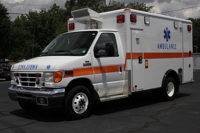 2006 Ford Econoline Commercial Cutaway E350 WHEELED COACH AMBULANCE TYPE III Mooresville , NC 24