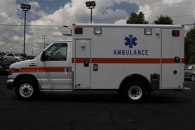2006 Ford Econoline Commercial Cutaway E350 WHEELED COACH AMBULANCE TYPE III Mooresville , NC 19