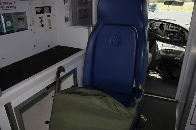 2006 Ford Econoline Commercial Cutaway E350 WHEELED COACH AMBULANCE TYPE III Mooresville , NC 39