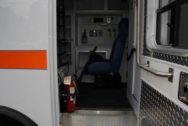 2006 Ford Econoline Commercial Cutaway E350 WHEELED COACH AMBULANCE TYPE III Mooresville , NC 57