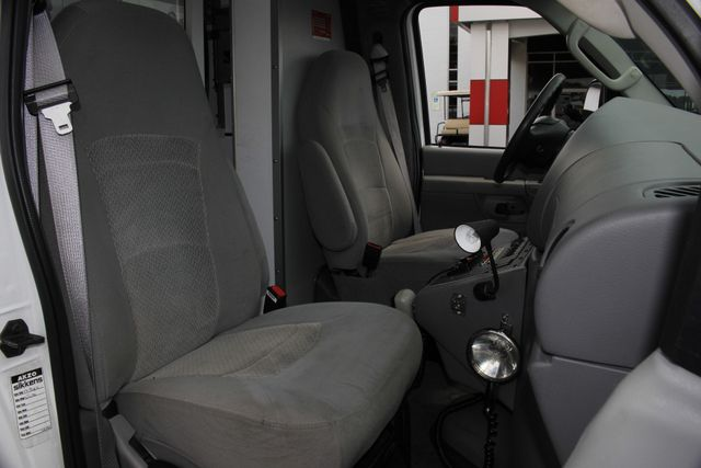 2006 Ford Econoline Commercial Cutaway E350 WHEELED COACH AMBULANCE TYPE III Mooresville , NC 17