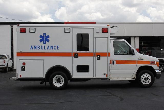 2006 Ford Econoline Commercial Cutaway E350 WHEELED COACH AMBULANCE TYPE III Mooresville , NC 18
