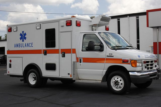2006 Ford Econoline Commercial Cutaway E350 WHEELED COACH AMBULANCE TYPE III Mooresville , NC 23