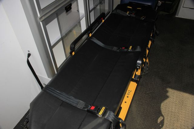 2006 Ford Econoline Commercial Cutaway E350 WHEELED COACH AMBULANCE TYPE III Mooresville , NC 44