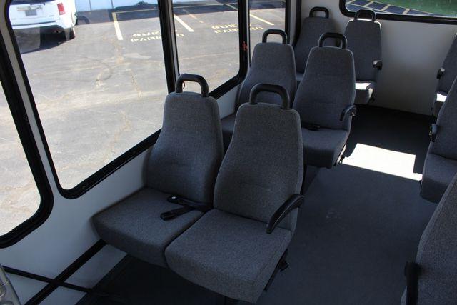 2006 Ford Econoline Commercial Cutaway E350 12 PASS Shuttle Bus/Van - 6.0L DIESEL! Mooresville , NC 37