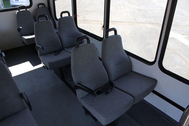 2006 Ford Econoline Commercial Cutaway E350 12 PASS Shuttle Bus/Van - 6.0L DIESEL! Mooresville , NC 38
