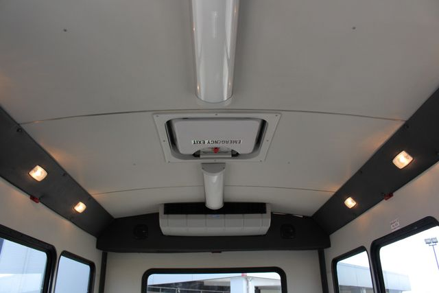 2006 Ford Econoline Commercial Cutaway E350 12 PASS Shuttle Bus/Van - 6.0L DIESEL! Mooresville , NC 6