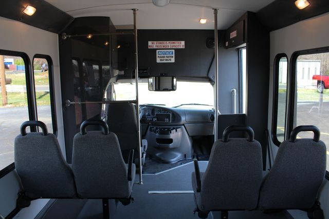 2006 Ford Econoline Commercial Cutaway E350 12 PASS Shuttle Bus/Van - 6.0L DIESEL! Mooresville , NC 5