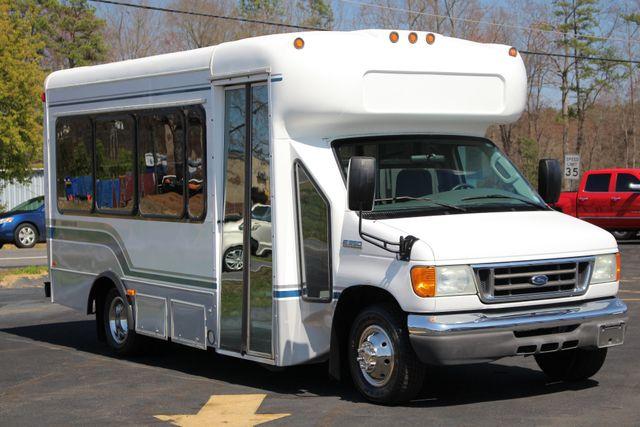 2006 Ford Econoline Commercial Cutaway E350 12 PASS Shuttle Bus/Van - 6.0L DIESEL! Mooresville , NC 20