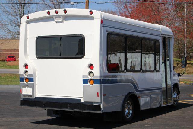 2006 Ford Econoline Commercial Cutaway E350 12 PASS Shuttle Bus/Van - 6.0L DIESEL! Mooresville , NC 22