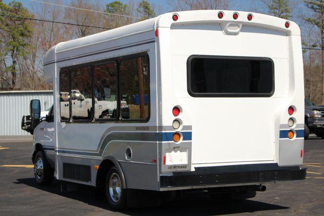 2006 Ford Econoline Commercial Cutaway E350 12 PASS Shuttle Bus/Van - 6.0L DIESEL! Mooresville , NC 23