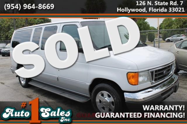 2006 Ford Econoline Wagon XL  WARRANTY VMI WHEELCHAIR LIFT 2 OWNERS 21 SERVICE RECORDS FLOR