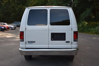 2006 Ford E350 Econoline Wagon Naugatuck, Connecticut 3