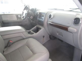 2006 Ford Expedition Limited Gardena, California 7