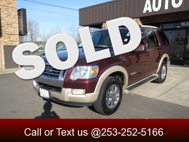2006 Ford Explorer Eddie Bauer 4WD You dont want just any Explorer -- you want this one We are ta