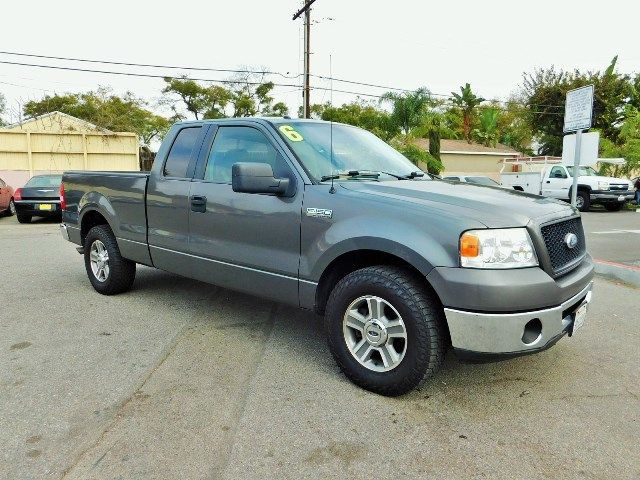 2006 Ford F-150 XLT Limited warranty included to assure your worry-free purchase AutoCheck report