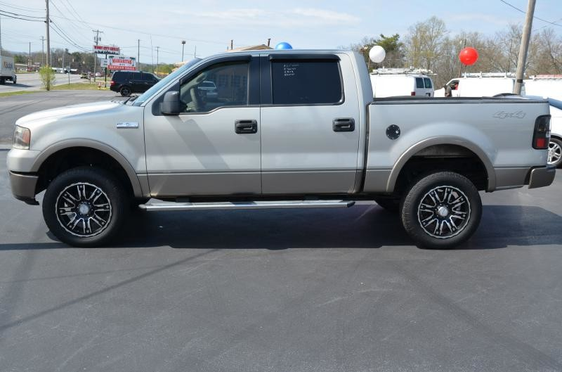 2006 Ford F150 SUPERCREW 4x4 Lariat  in Maryville, TN