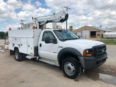 2006 Ford F550 BUCKET TRUCK   in Fort Worth, TX