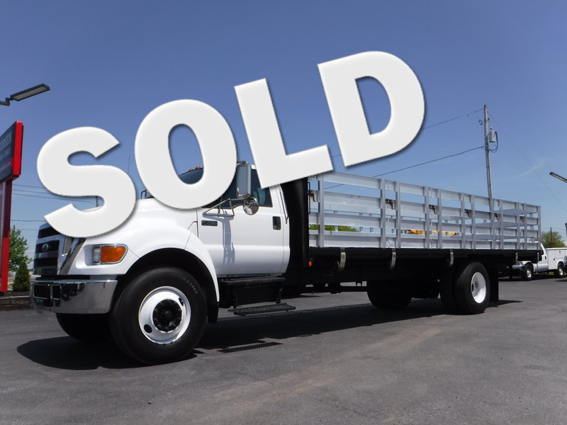 2006 Ford F750 26FT Stake Truck in Ephrata PA