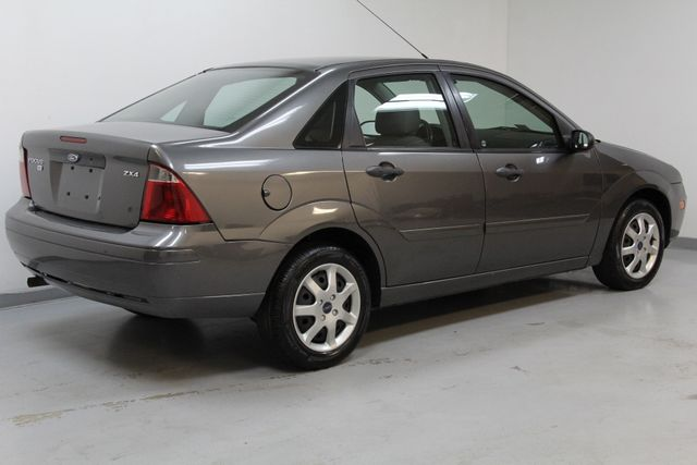 2006 Ford Focus SE ZX4 Richmond, Virginia 1