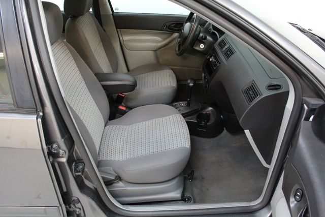 2006 Ford Focus SE ZX4 Richmond, Virginia 11