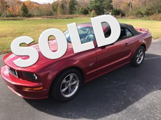 2006 Ford-Friend Of Manager-Shad!! Mustang-BUY HERE PAY HERE!!  GT-SHOWROOM!! Knoxville, Tennessee 0