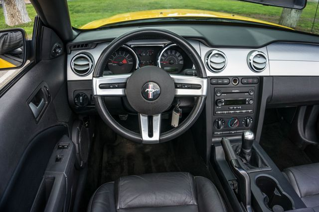 2006 Ford Mustang GT Deluxe Reseda, CA 22