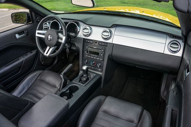 2006 Ford Mustang GT Deluxe Reseda, CA 36