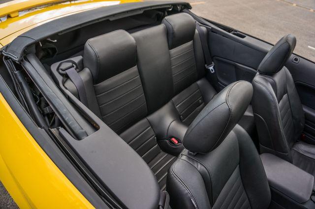 2006 Ford Mustang GT Deluxe Reseda, CA 32