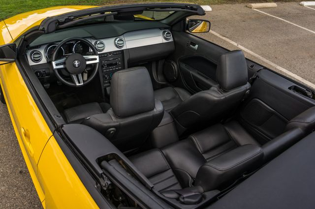 2006 Ford Mustang GT Deluxe Reseda, CA 34