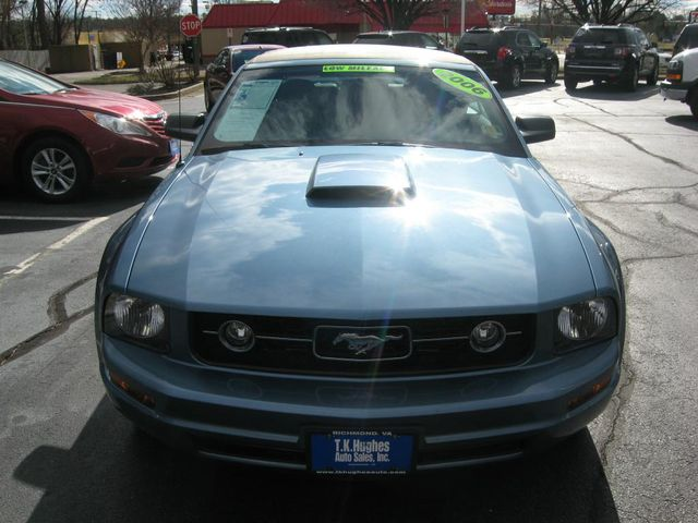 2006 Ford Mustang Deluxe Richmond, Virginia 2