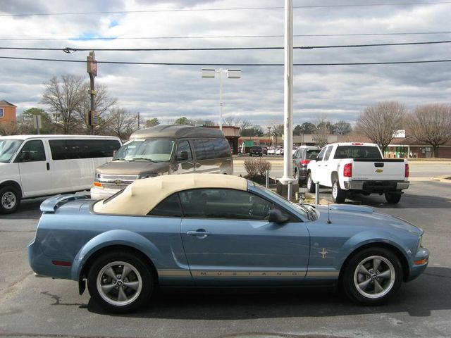 2006 Ford Mustang Deluxe Richmond, Virginia 4