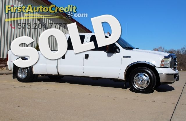 2006 Ford Super Duty F-350 DRW XLT | Jackson , MO | First Auto Credit in Jackson  MO