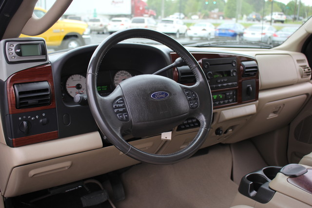 2006 Ford Super Duty F-350 DRW Lariat Mooresville , NC 17