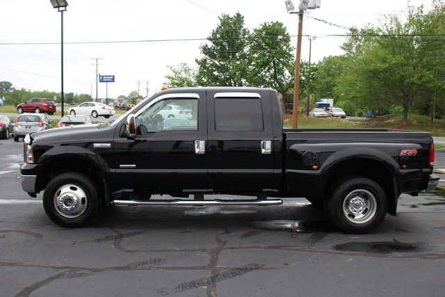 2006 Ford Super Duty F-350 DRW Lariat Mooresville , NC 3