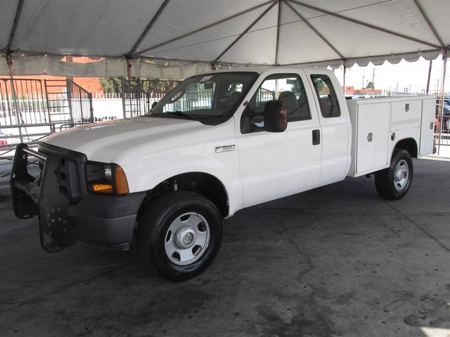 2006 Ford Super Duty F-350 XL Please call or e-mail to check availability All of our vehicles a