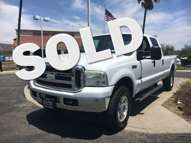 2006 Ford Super Duty F-350 Lariat Youll enjoy better mileage with a fuel efficient Diesel engine