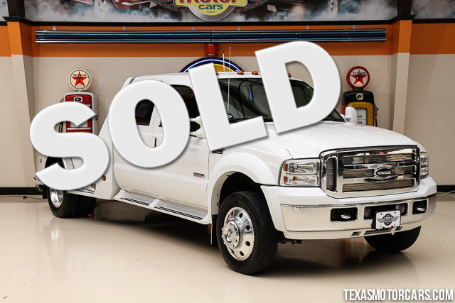 2006 Ford Super Duty F-450 Lariat This Carfax 1-Owner accident free 2006 Ford Super Duty F-450 DR