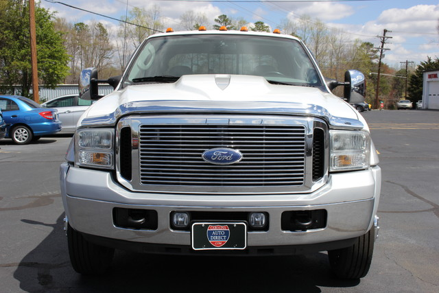 2006 Ford Super Duty F-550 DRW Lariat-BULLET-PROOFED-4X4 Mooresville , NC 1