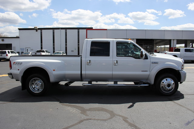 2006 Ford Super Duty F-550 DRW Lariat-BULLET-PROOFED-4X4 Mooresville , NC 9